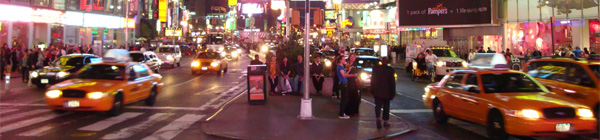 Taxis jaunes dans les avenues de Manhattan - Photo de Broadway, Times Square de nuit - © Guillaume Duchene
